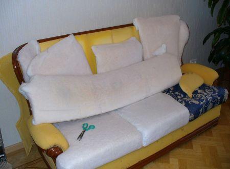Перетягиваем диван своими руками